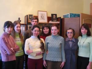 На занятии в старшей группе. 2009 год