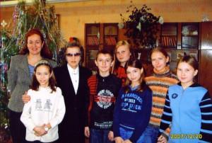 В.Т. Дорожкина с членами литературного кружка Первомайская лира